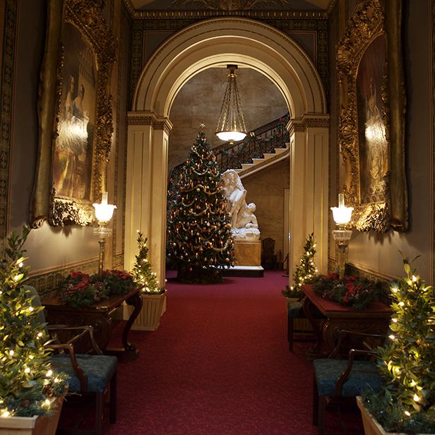 VICTORIAN CHRISTMAS AT OSBORNE HOUSE.